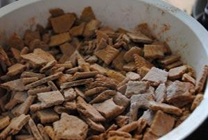 biscuits pieces border=