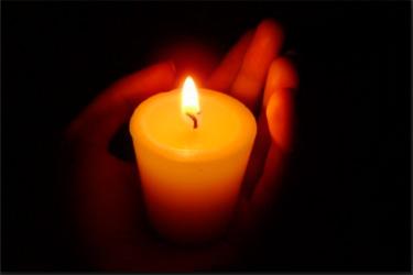 И никто, зажегши свечу, не ставит её под сосуд